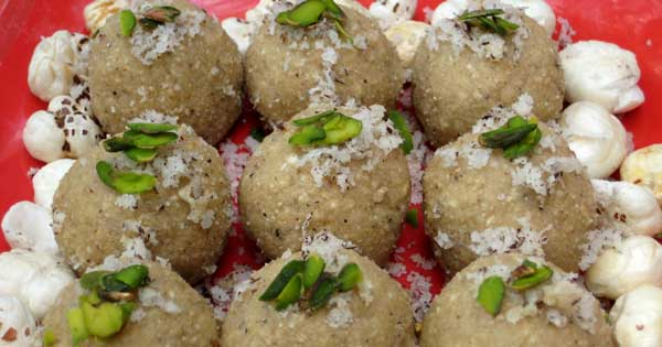 Easy Dessert Recipe of Lotus Seeds Laddu