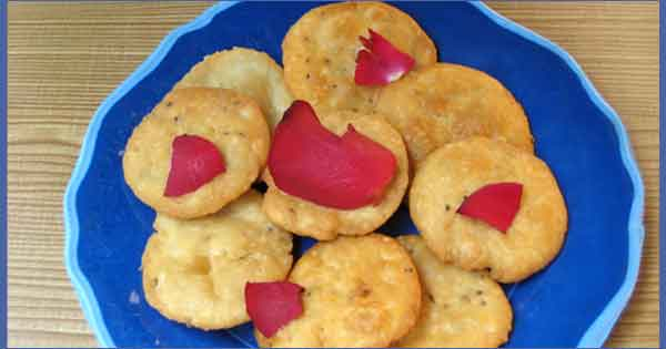 Mathri Recipe by Sonia Goyal