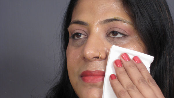 3 easy home remedies for oily skin treatment