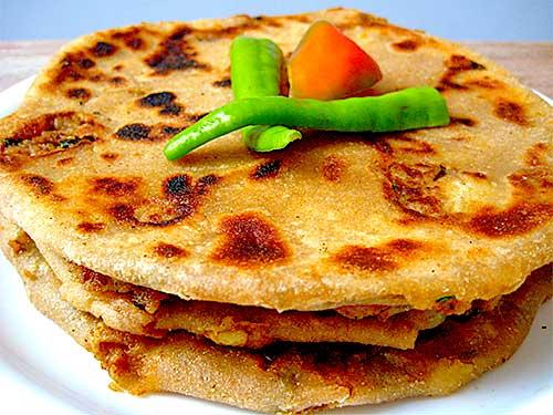 Aloo paratha recipe with video by sonia goyal aloo paratha recipe forumfinder Choice Image