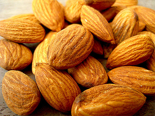 5 Health Benefits of Almonds with Video