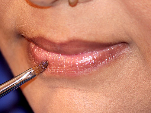 How To Apply Lipstick Step 2