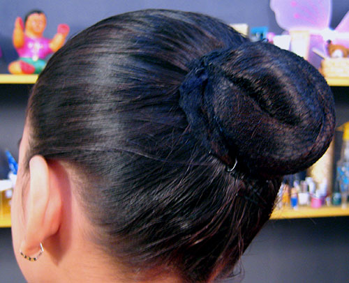 How To Make Bun An Easy Hairstyle With Video By Sonia Goyal - Hairstyle easy video