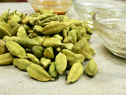 5 Best Health Benefits Of Green Cardamom With Video